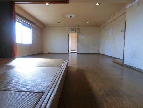 和室とリビング ロイヤルハイツあべの「中古マンション」| あべのの不動産はハウスイノベーションにお任せください